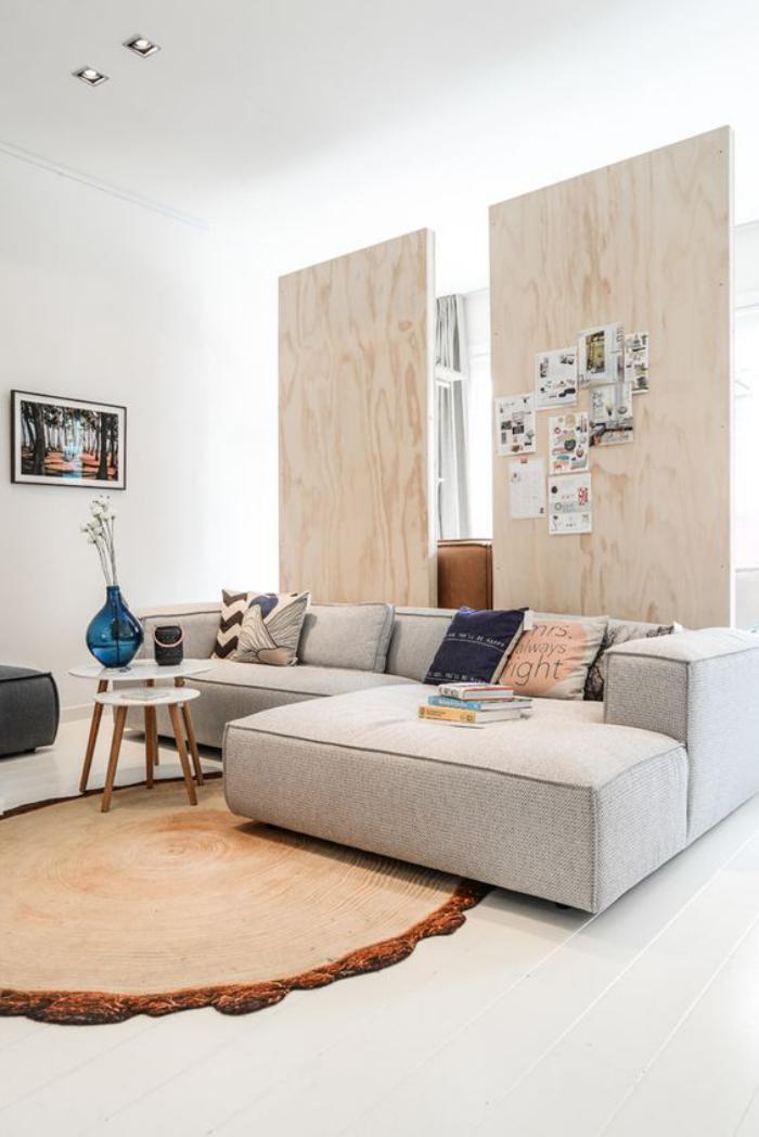 séparation-de-pièce-panneaux-de-bois-dans-un-appartement-scandinave