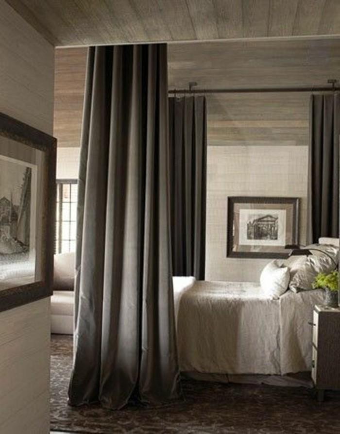 separer-le-lit-deux-personnes-avec-rideaux-gris-foncé-cloison-amovible-rideau