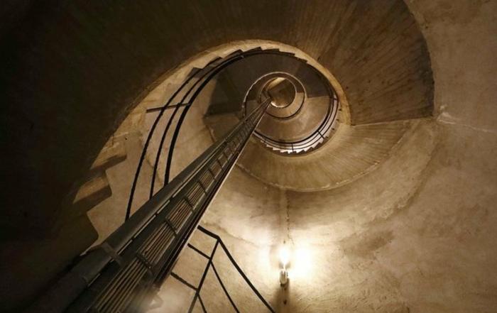 suite-de-Fibonacci-escalier-de-20-metres-d'-hauteur-resized