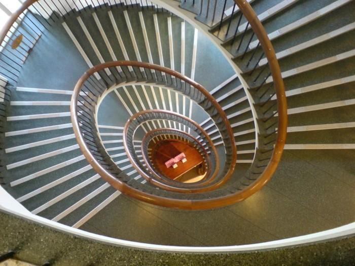 suite-de-Fibonacci-escaliers-plusieurs-etages-resized
