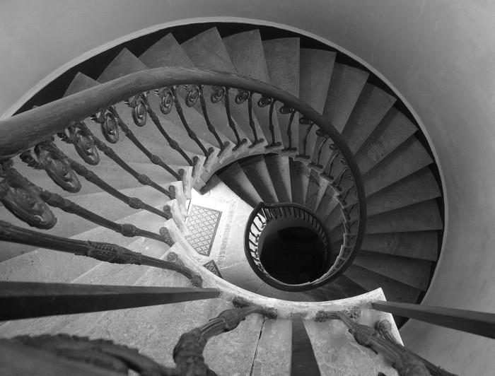 suite-de-Fibonacci-spirale-vieux-edifice-resized