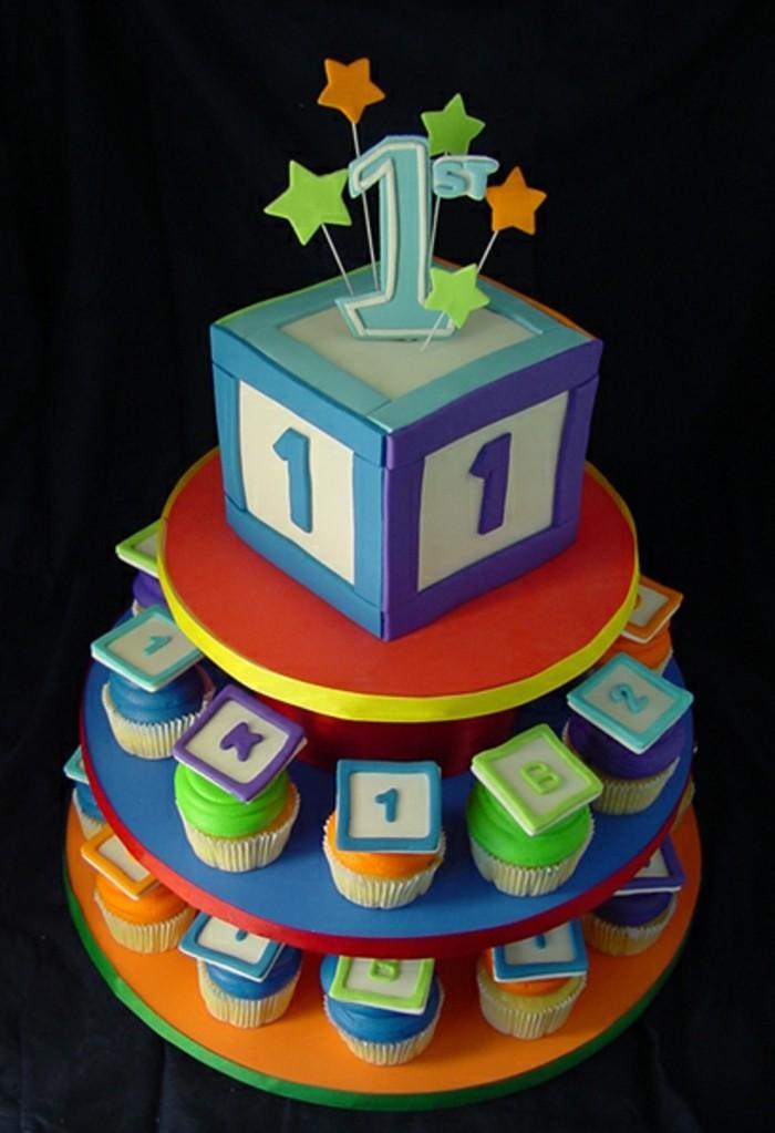 superbe-gateau-anniversaire-garcon-idée-gateau-1-an