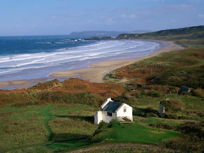 superbe-idée-voyage-photos-que-faire-en-irlande-irlande-tourisme-que-visiter-en-irlande-la-mer-maison