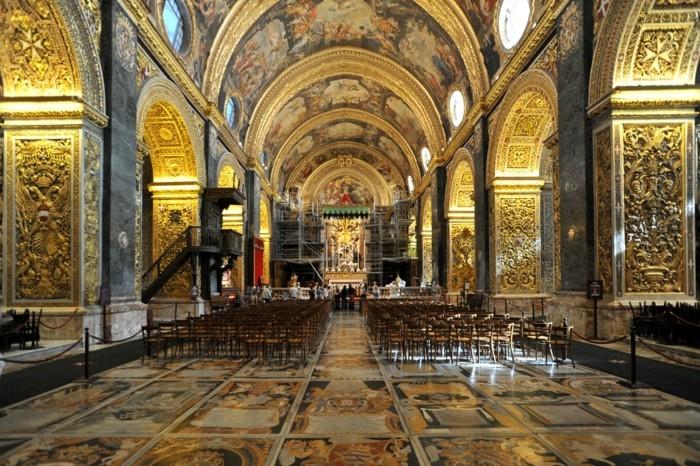 superbe-photo-la-valette-hotel-jolie-image-l-église