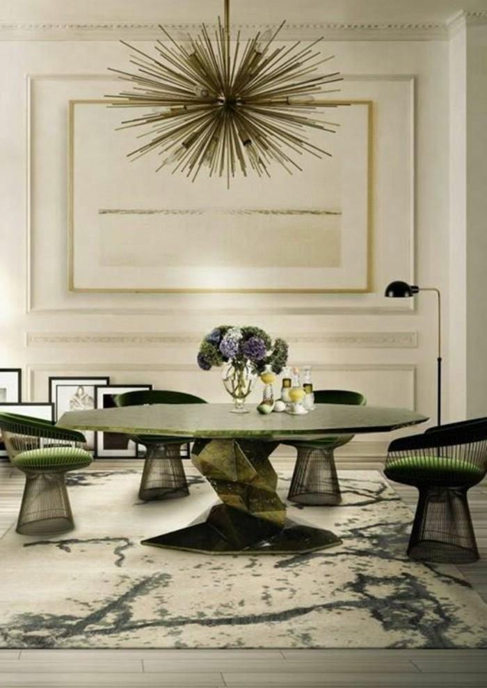 table-de-cuisine-chic-design-en-marbre-vert-tapis-beige-interieur-louis-XV