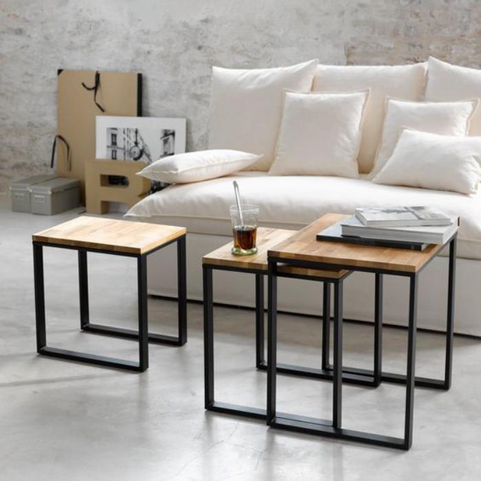 table-gain-de-place-trois-tables-gigognes-en-bois-et-métal
