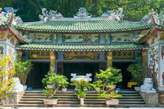 temple-bouddhiste-Bouddha-heureux-resized