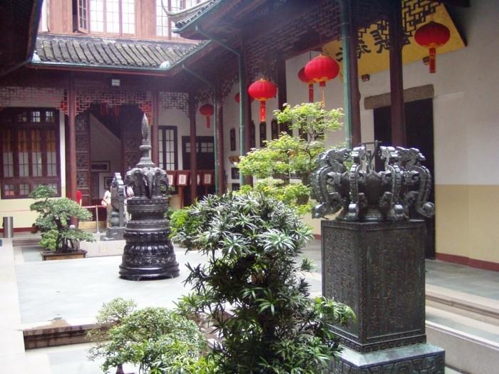 temple-bouddhiste-Jade-interieur-resized