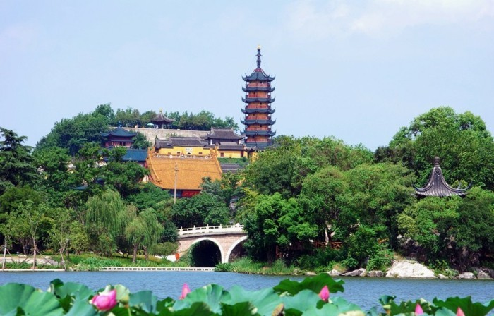 temple-bouddhiste-Jinshan-attraction-resized