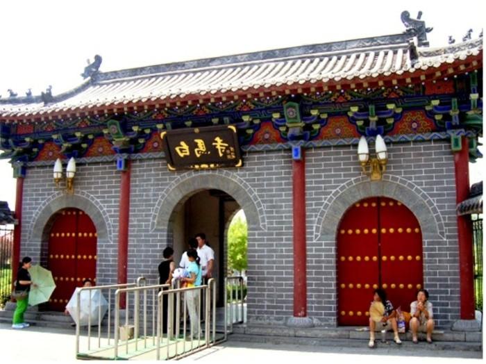 temple-bouddhiste-Le-cheval-blanc-2-resized