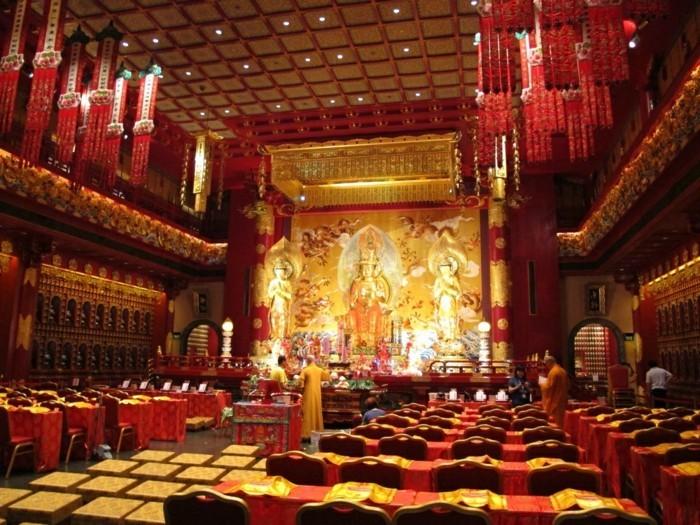 temple-bouddhiste-Singapore-Buddha-resized