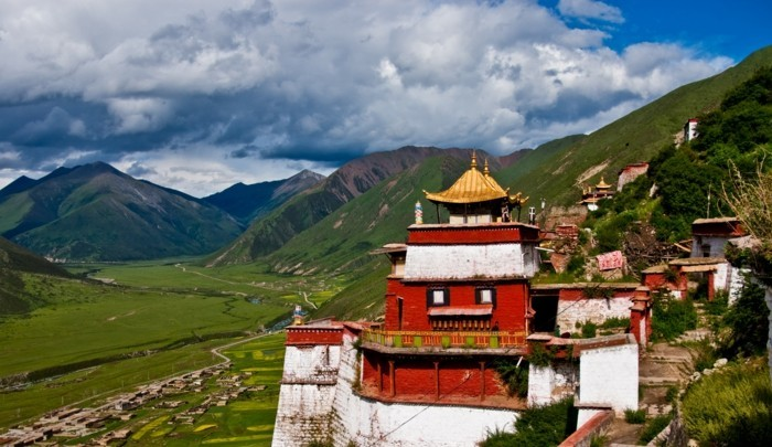 temple-bouddhiste-Tintin-Tibet-resized