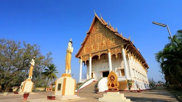 temple-bouddhiste-Vientiane-Laos-resized
