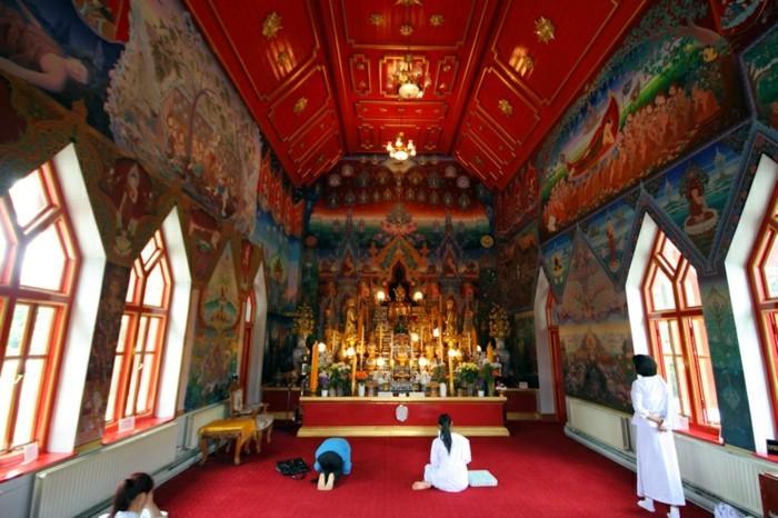 temple-bouddhiste-Wat-Buddhapadipa-resized
