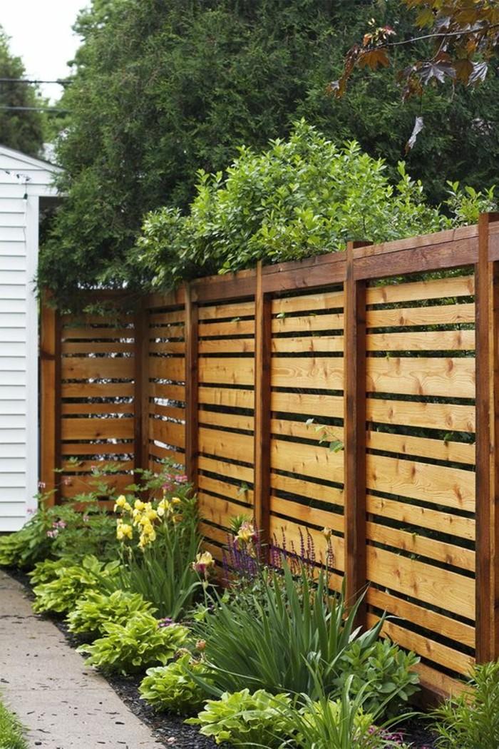 un-bel-exemple-de-paravent-de-jardin-en-bois