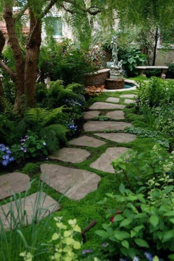 un-magnifique-jardin-avec-pelouse-verte-et-cailloux-gravier-allée-originale-idee