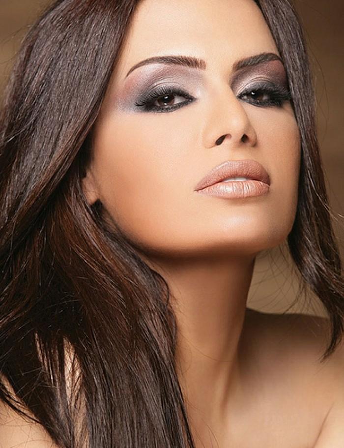 une-idée-maquillage-soirée-yeux-marrons-chic-beauté
