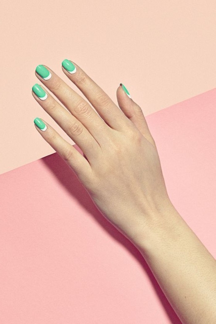 0-deco-ongle-gel-en-blanc-et-bleu-clair-ongle-en-gel-deco-blanc-et-vert