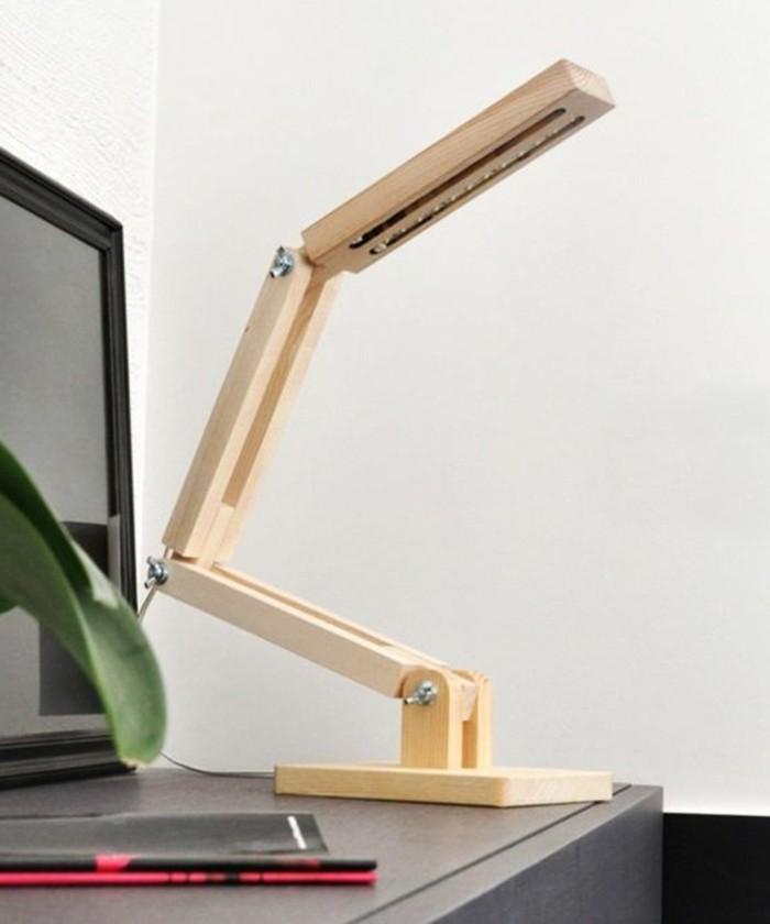 0-lampe-de-bureau-articulée-en-bois-clair-design-chic-en-bois-clair-lampes-de-bureau