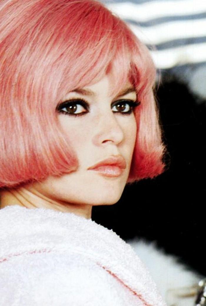 0-maquillage-brigitte-bardot-tendances-maquillage-yeux-de-chat-maquillage-année-60