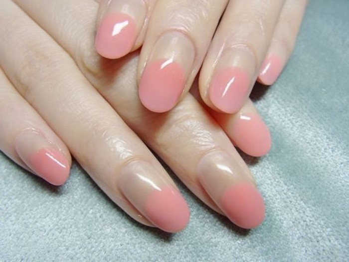 0000-french-manucure-originale-en-rose-pale-idees-deco-ongle-gel