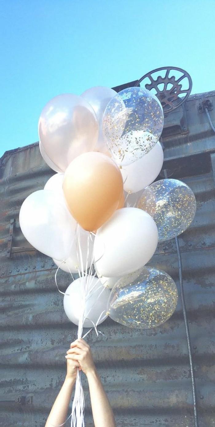 01-decoration avec des ballons multicolores