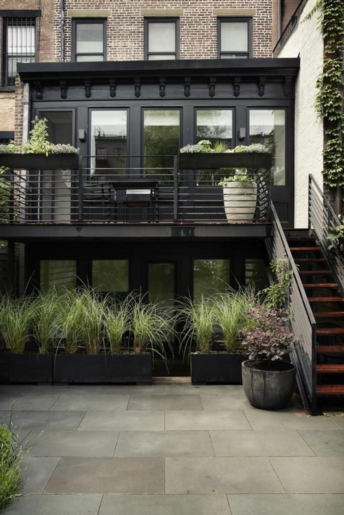 01-entretien pelouse devant un immeuble
