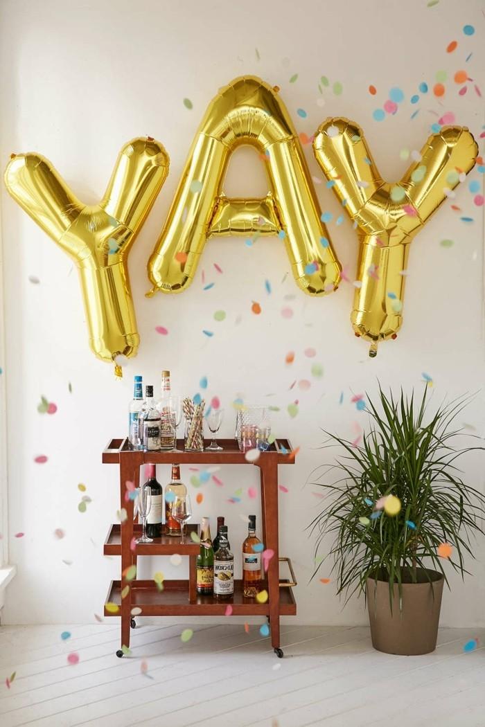 03-decoration avec des ballons en jaune