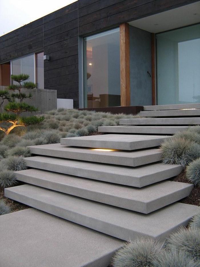 05-entretien pelouse pres des escaliers