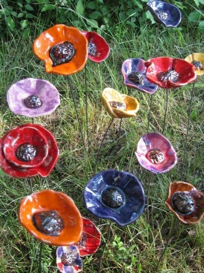 08-Sculpture de jardin fleurs multicolores