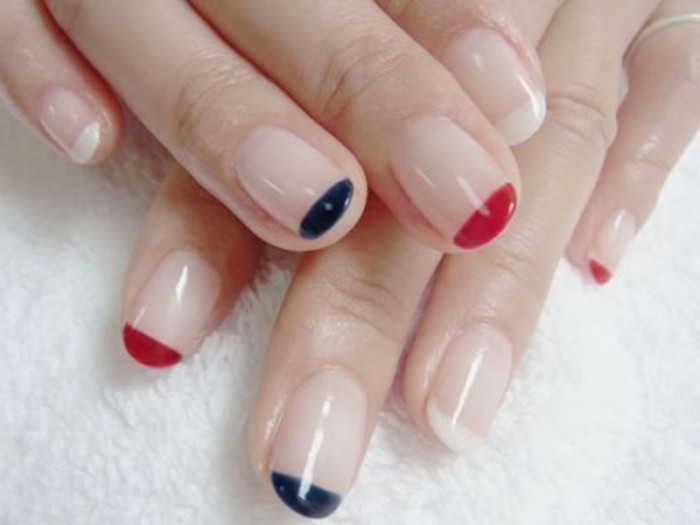 1-modele-d-ongle-french-en-gel-idees-deco-ongles-colorés