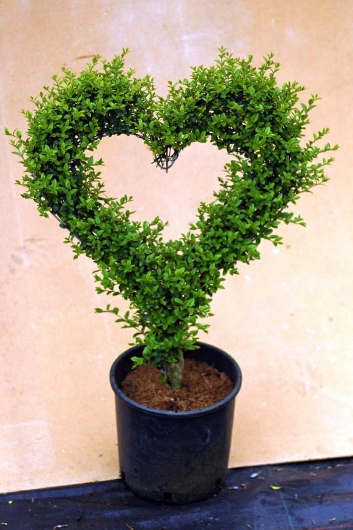 105-Statue de jardin - un coeur
