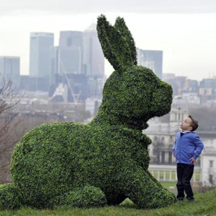 107-Statue de jardin - un grand lapin
