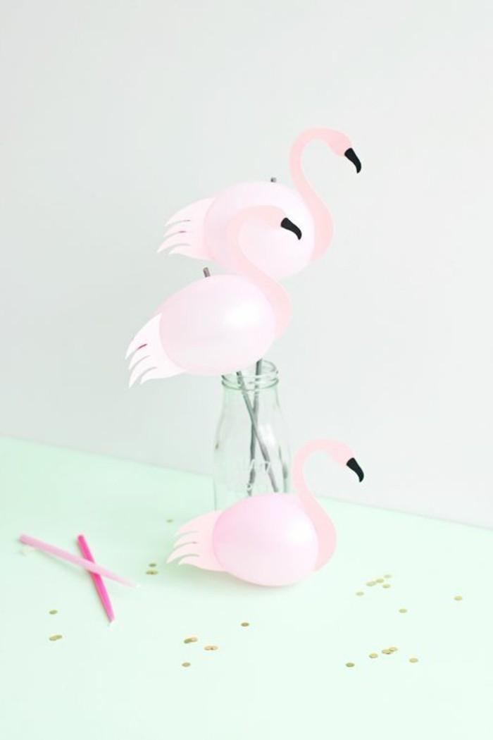 11-decoration avec des ballons en forme d'oiseaux