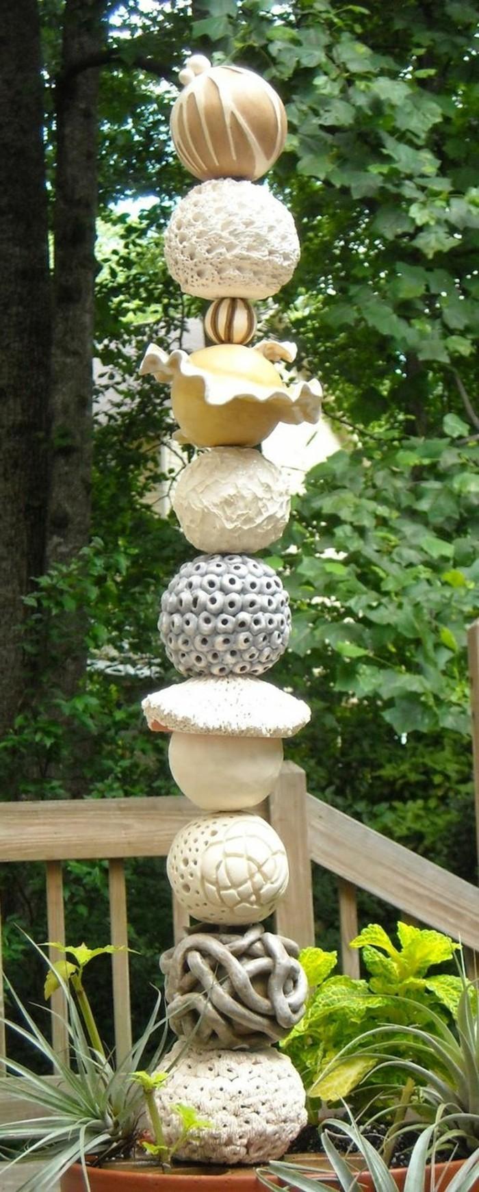 18-Sculpture de jardin haute