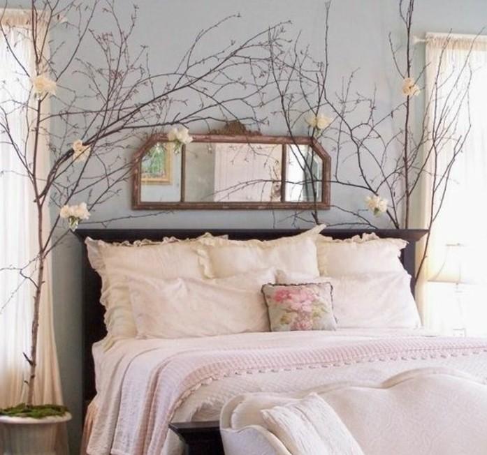 2.idée-de-déco-chambre-adulte-atmosphère-romantique_fleurs-coussins