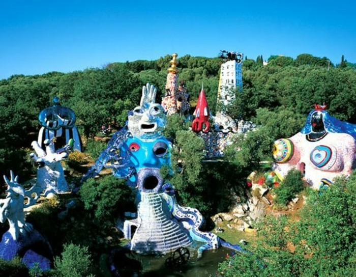 21-Sculpture de jardin grandes dimensions