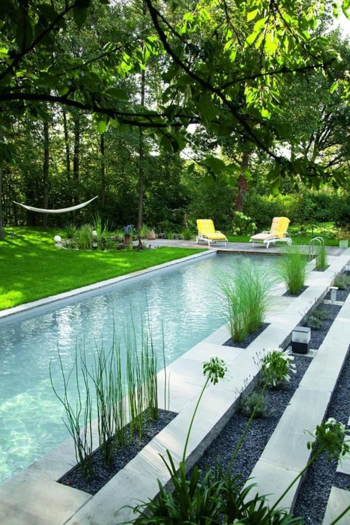 21-pelouse entretien pres de la piscine