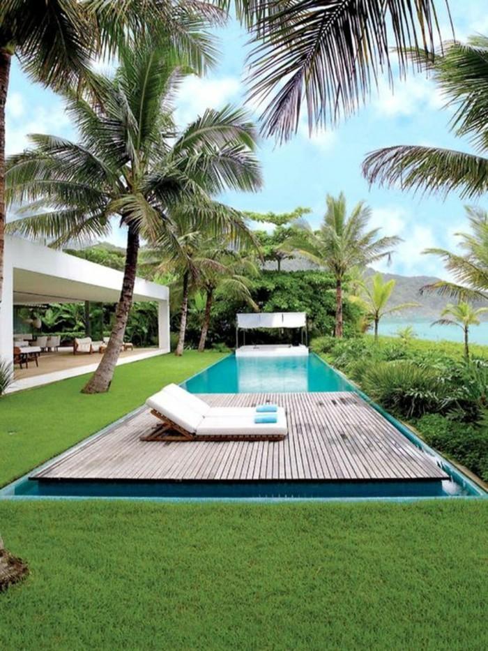 25-entretien de la pelouse pres de la piscine