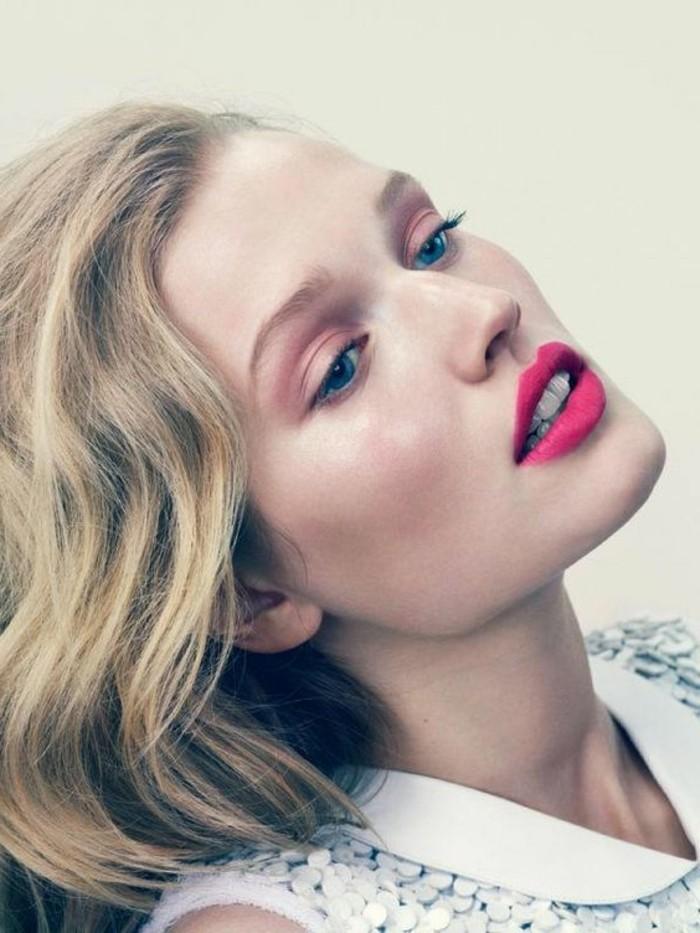 3-maquillage-naturel-rose-paupieres-roses-levres-rose-clair-yeux-bleus-maquillage-tuto