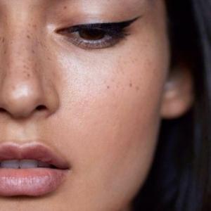 """""""No make-up look"""" avec un maquillage discret, les conseils de spécialistes en vidéos!"""