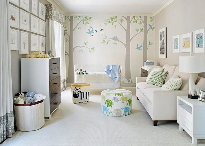 33belle-chambre-blanche-bébé-commode-lit-coffre-à-jouets-tabouret-jolie-déco-murale