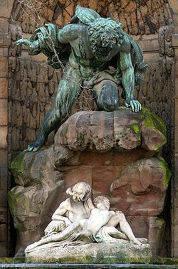 43-Sculpture pour jardin - deux figure humaine et un ange
