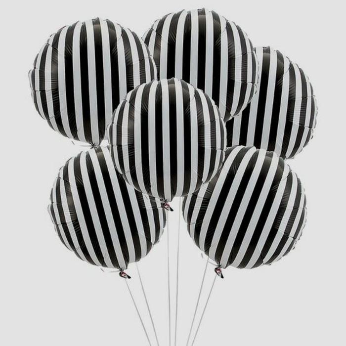 45-bouquet ballons en noir et en blanc