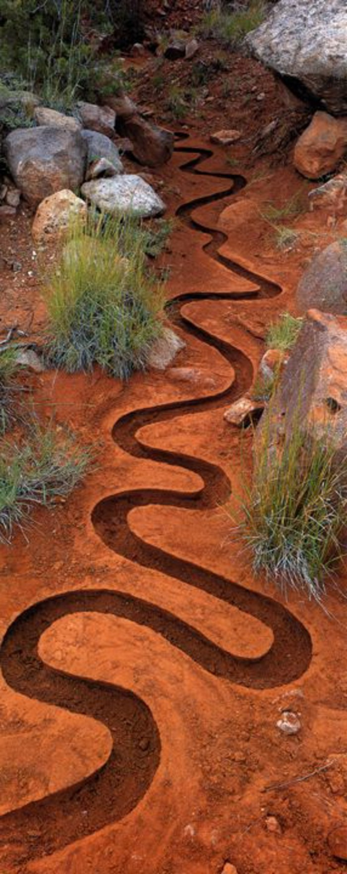 47-Sculpture pour jardin - petit sentier forme en serpent