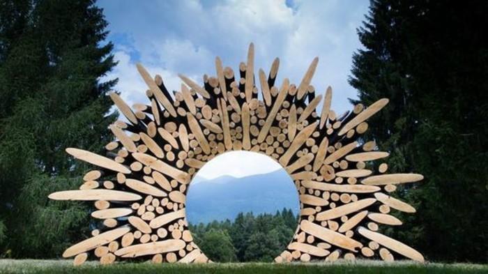 50-Sculpture exterieure en bois