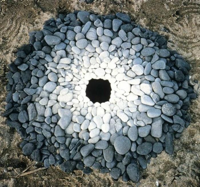 55-Sculpture exterieure faite de pierre