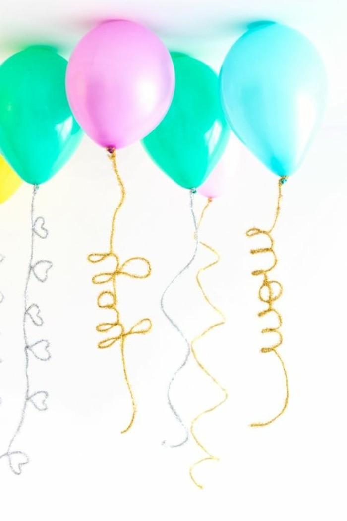 65-ballons pour anniversaire dispersés