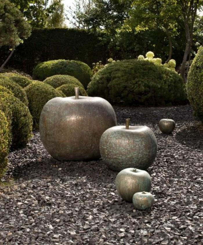 75-Sculpture exterieur design 5 pommes