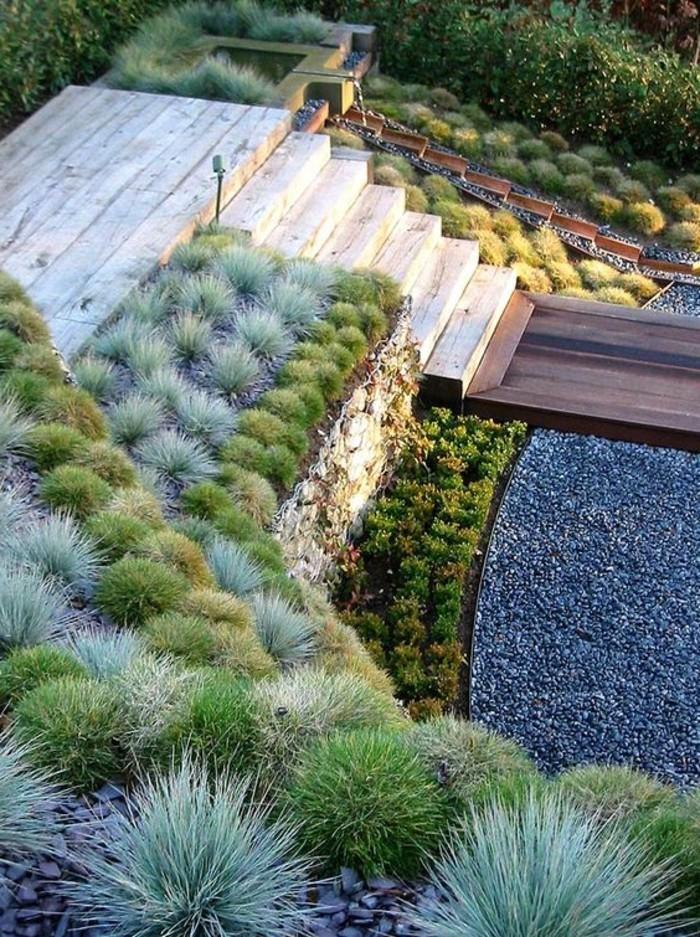 78-entretenir pelouse - escalier en bois